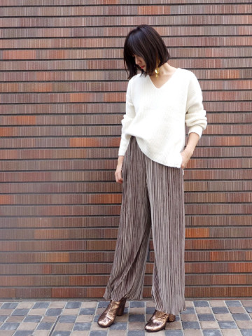 SOLOV:PLEATED VELOR WIDE PANTS